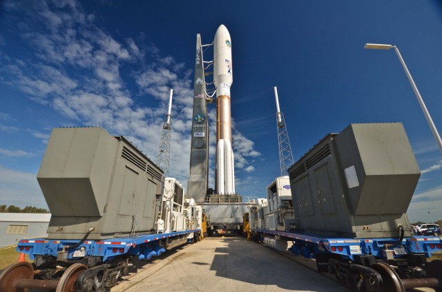 Rollout of Atlas V MUOS Атлас 5