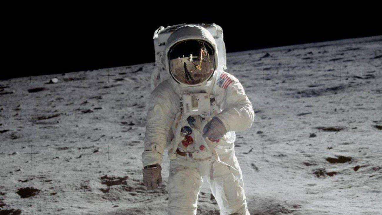 Луна Базз Олдрин космонавт